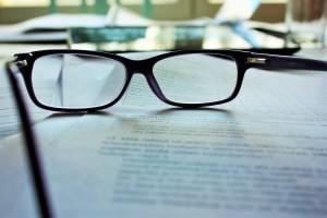 glasses-983947_1920